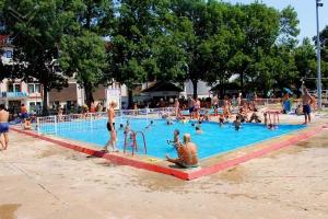 Бања Дворови добија затворени базен?